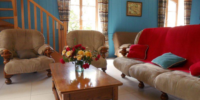 salon gîte le petit-bois Guémené-Penfao 44 déco couleurs 6-8 personnes vacances famille Bretagne sud Loire Océan sejour au calme