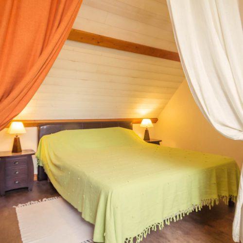 chambre à l'étage gîte petit-bois Guémené-Penfao dormir au calme loire atlantique Redon Blain Plessé Derval