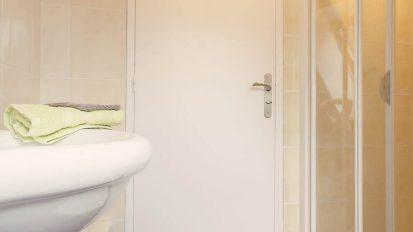 salle-bain-etage-petit-bois gîte guémené-Penfao 44 loire atlantique location de vacances campagne entre Nantes et Rennes