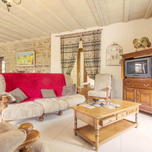 salon gîte le petit bois Guémené-Penfao vacances au calme Pays de Redon Loire atlantique wifi TV dvd