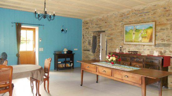 grande salle à manger gîte le petit-bois Guémené-Penfao 44 famille groupe amis décoration personnalisée confort 3 épis